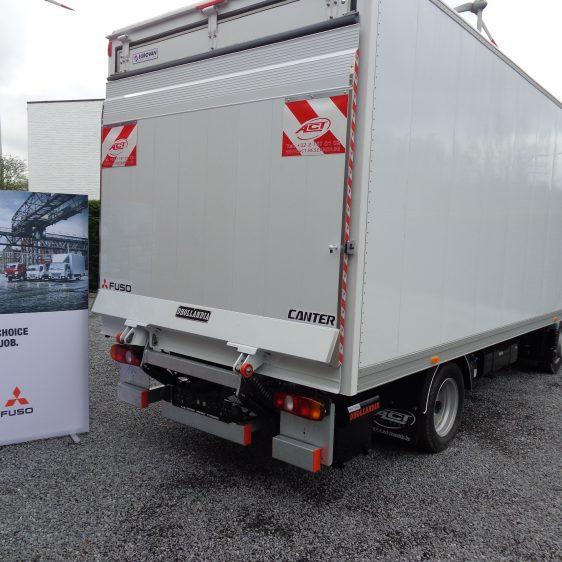 Fuso Canter 3C13 alukast laadlift