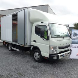 Fuso Canter 3C15 kast laadlift
