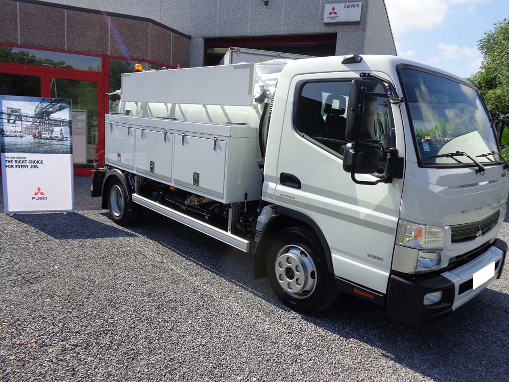 Fuso canter 9c18 amt met opties for J and b motors
